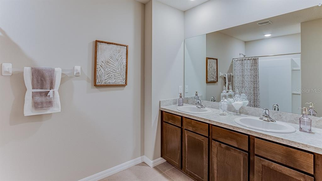 Single Family Home 5834  CALLA LILLY DRIVE , SARASOTA for sale - mls# T3220691
