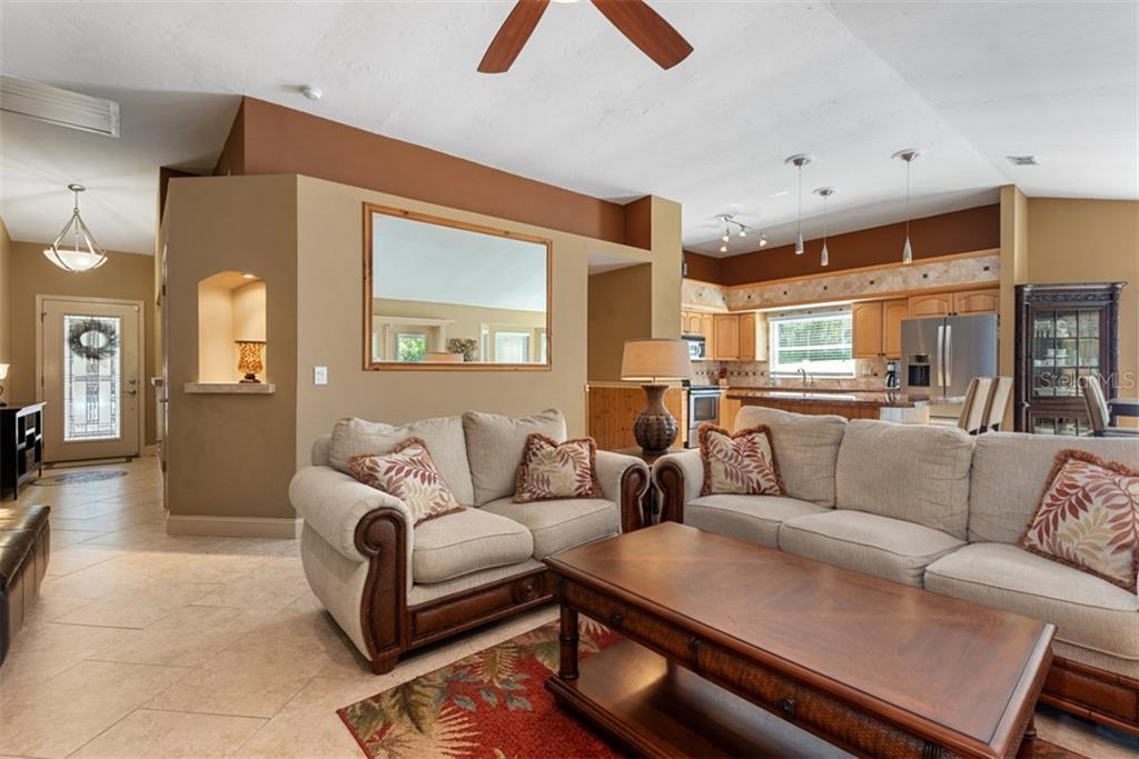 Single Family Home 2566  WOOD OAK DRIVE , SARASOTA for sale - mls# A4459209