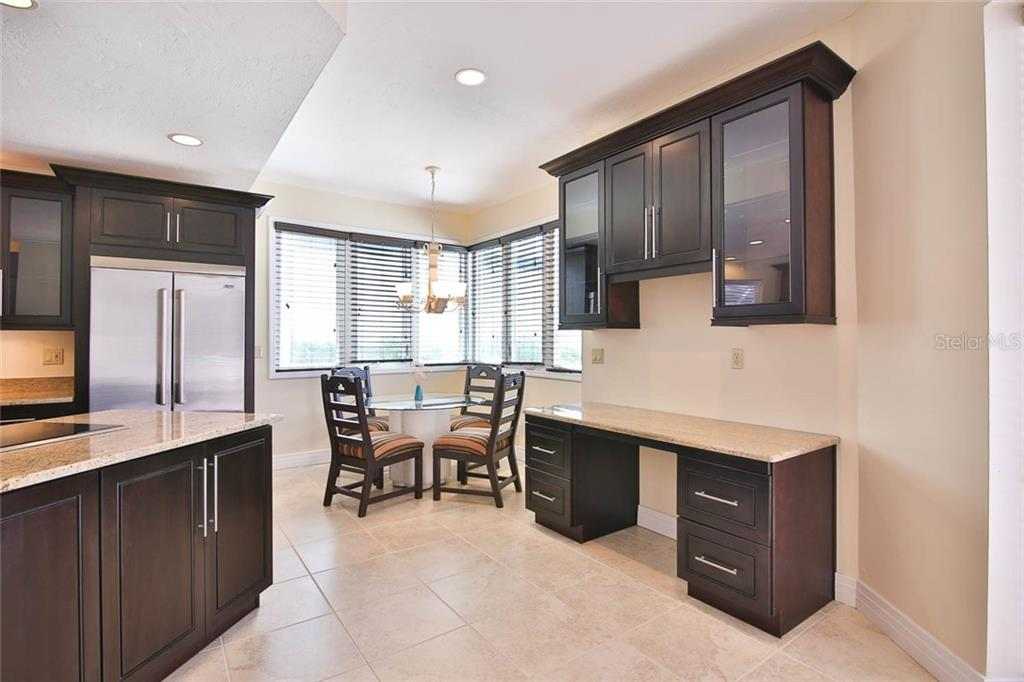 Single Family Home 7755  CLUB LANE , SARASOTA for sale - mls# A4459559