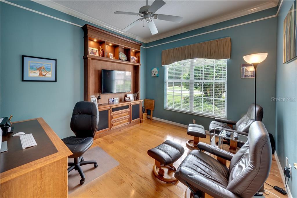 Single Family Home 9092  MISTY CREEK DRIVE , SARASOTA for sale - mls# A4460947