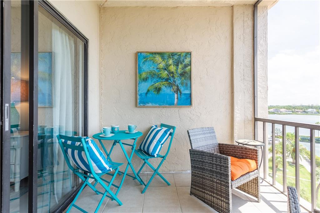 Condo 5855  MIDNIGHT PASS ROAD , SARASOTA for sale - mls# A4463442