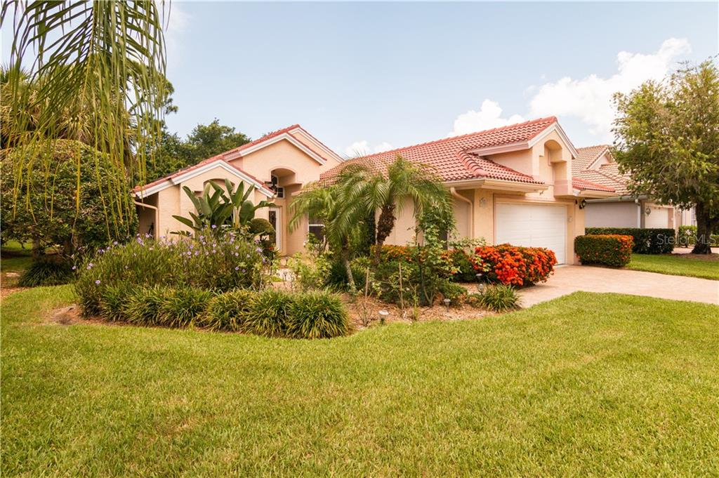 Single Family Home 5803  FAIRWOODS CIRCLE , SARASOTA for sale - mls# A4470980