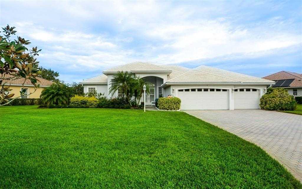 Single Family Home 2772  HARVEST DRIVE , SARASOTA for sale - mls# A4481677