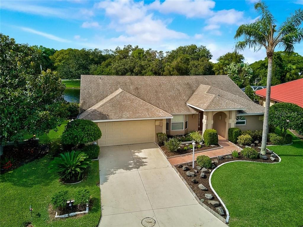 Single Family Home 5758  CARRIAGE DRIVE , SARASOTA for sale - mls# A4481735