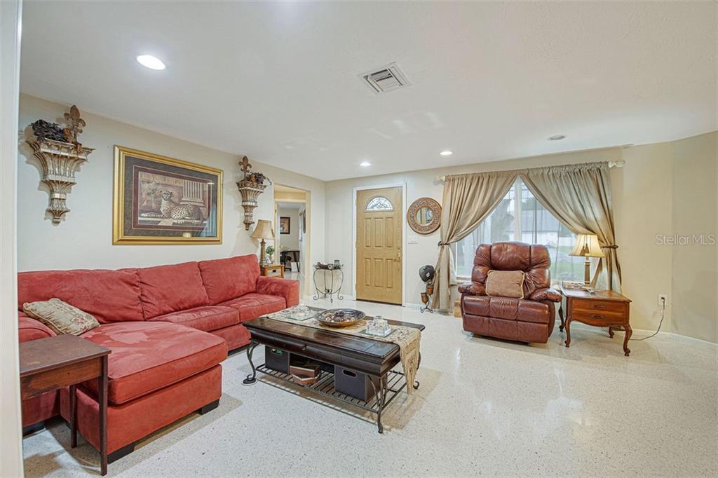 Single Family Home 1911  PAR PLACE , SARASOTA for sale - mls# A4481965