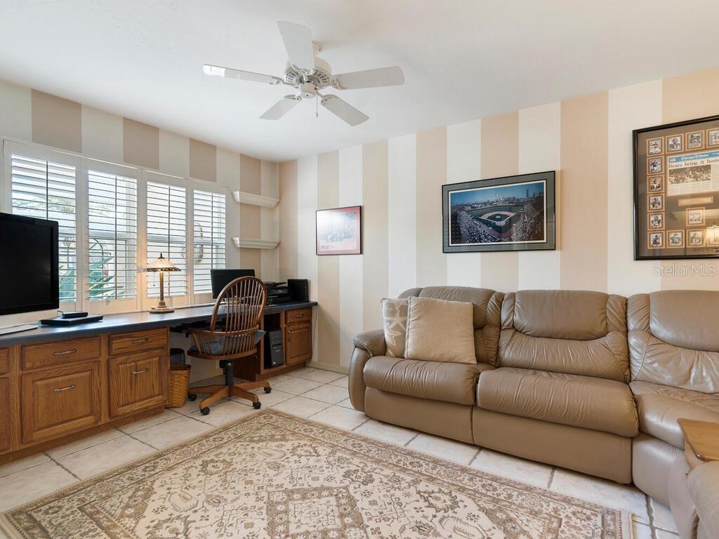 Single Family Home 3417  HIGHLANDS BRIDGE ROAD , SARASOTA for sale - mls# A4493732