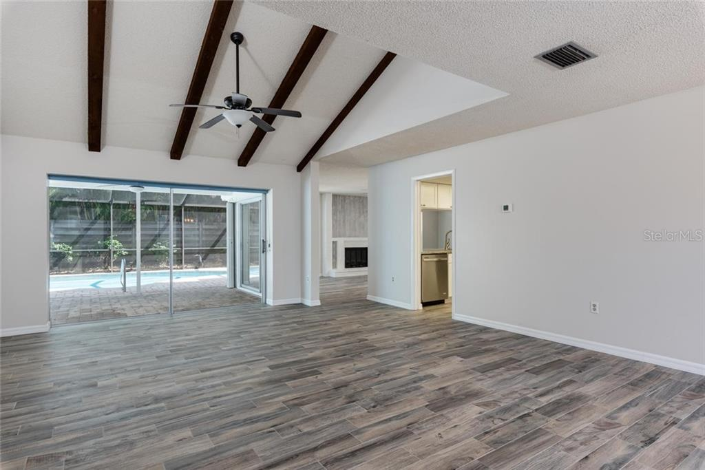 Single Family Home 6567  WATERFORD CIRCLE , SARASOTA for sale - mls# A4493955