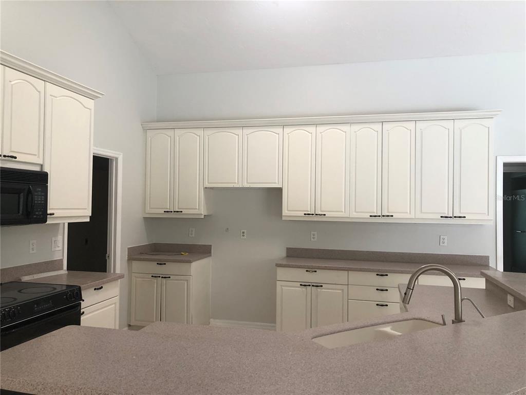 Single Family Home 8214  SHADOW PINE WAY , SARASOTA for sale - mls# A4494688