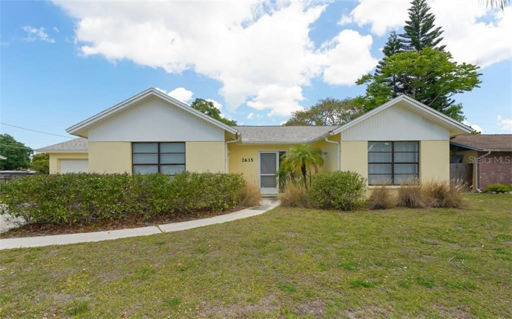 Single Family Home 2635  DAVIS BOULEVARD , SARASOTA for sale - mls# A4496365