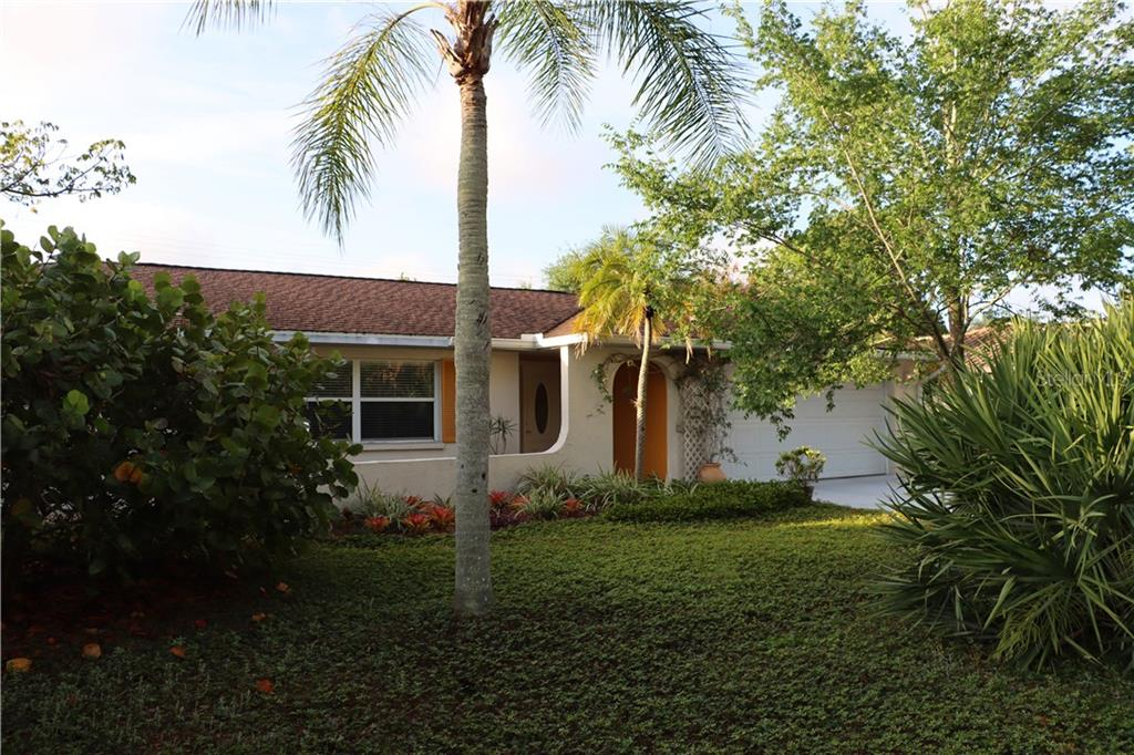 Single Family Home 372  LANTANA AVENUE , SARASOTA for sale - mls# A4496624