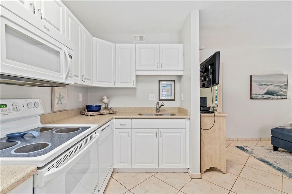 Condo 5950  MIDNIGHT PASS ROAD , SARASOTA for sale - mls# A4497046