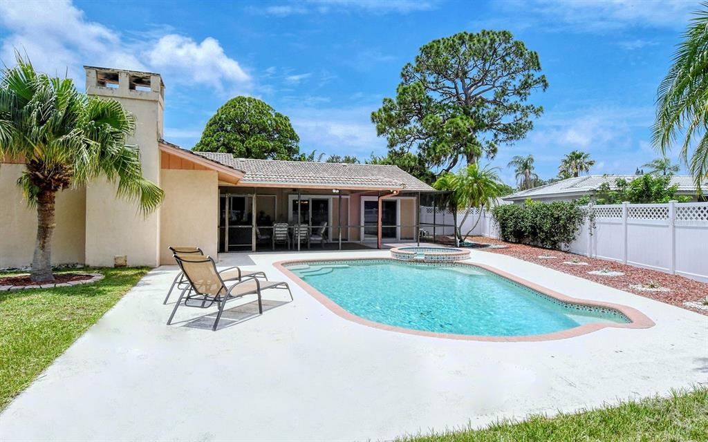 Single Family Home 2535  CARLISLE PLACE , SARASOTA for sale - mls# A4504796