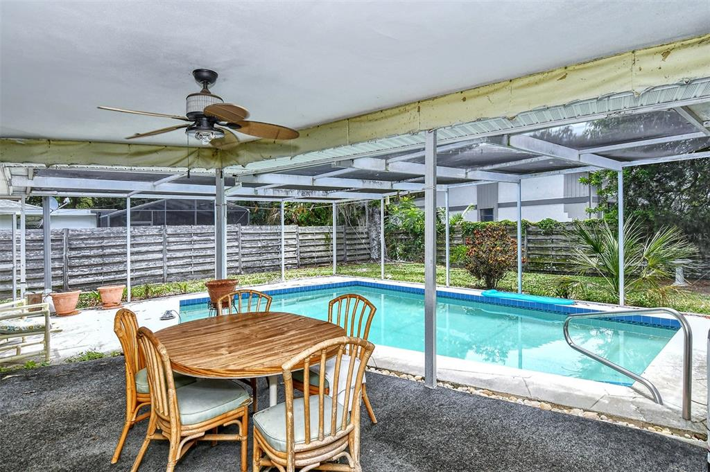 Single Family Home 3674  BREEZEMONT DRIVE , SARASOTA for sale - mls# A4505003