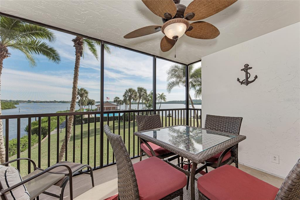 Condo 8897  MIDNIGHT PASS ROAD , SARASOTA for sale - mls# A4505442