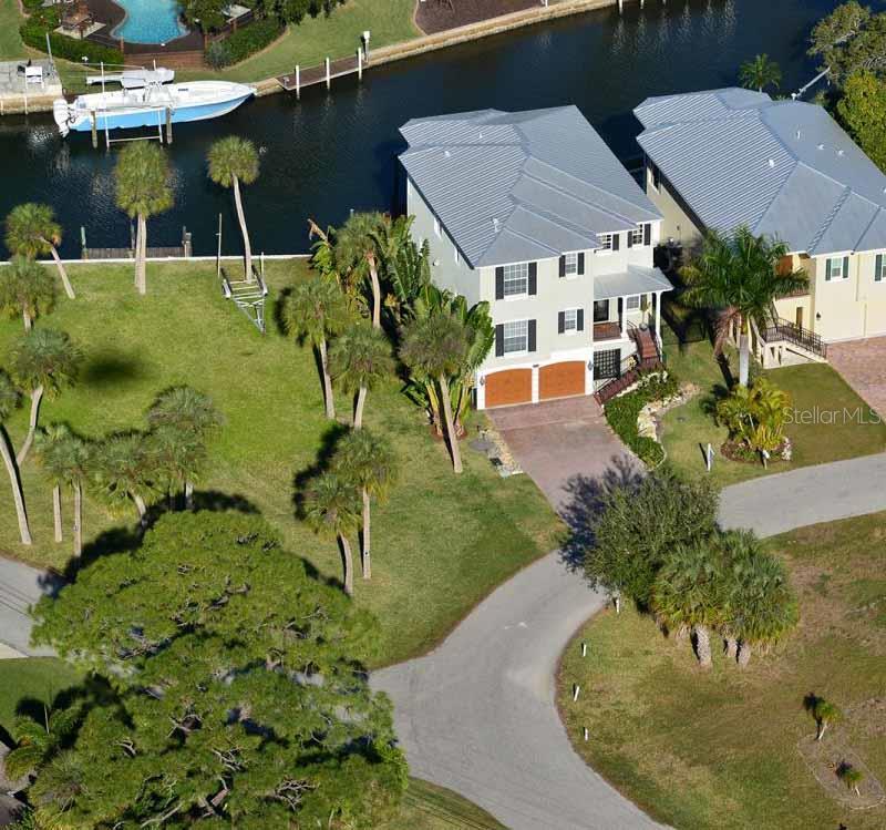 7776  Holiday Dr  Sarasota Florida 34231