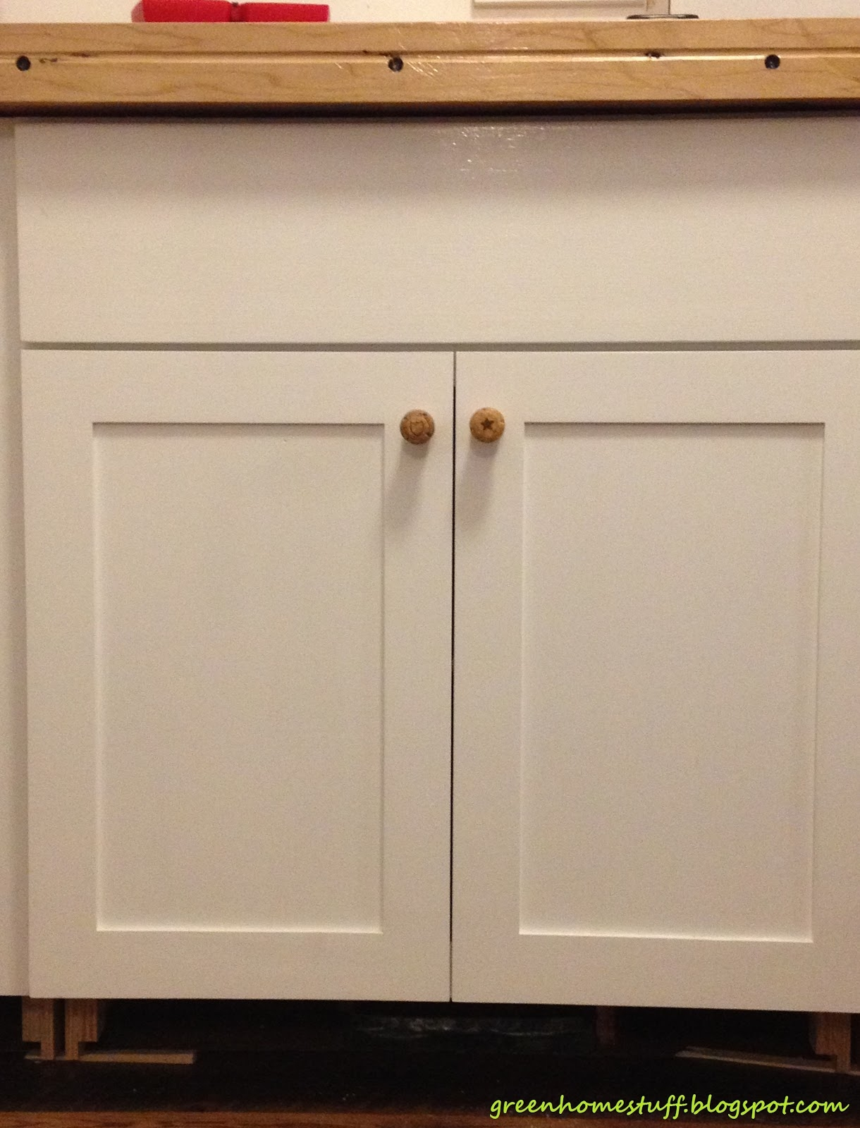Kitchen Cabinet Doors With Knobs