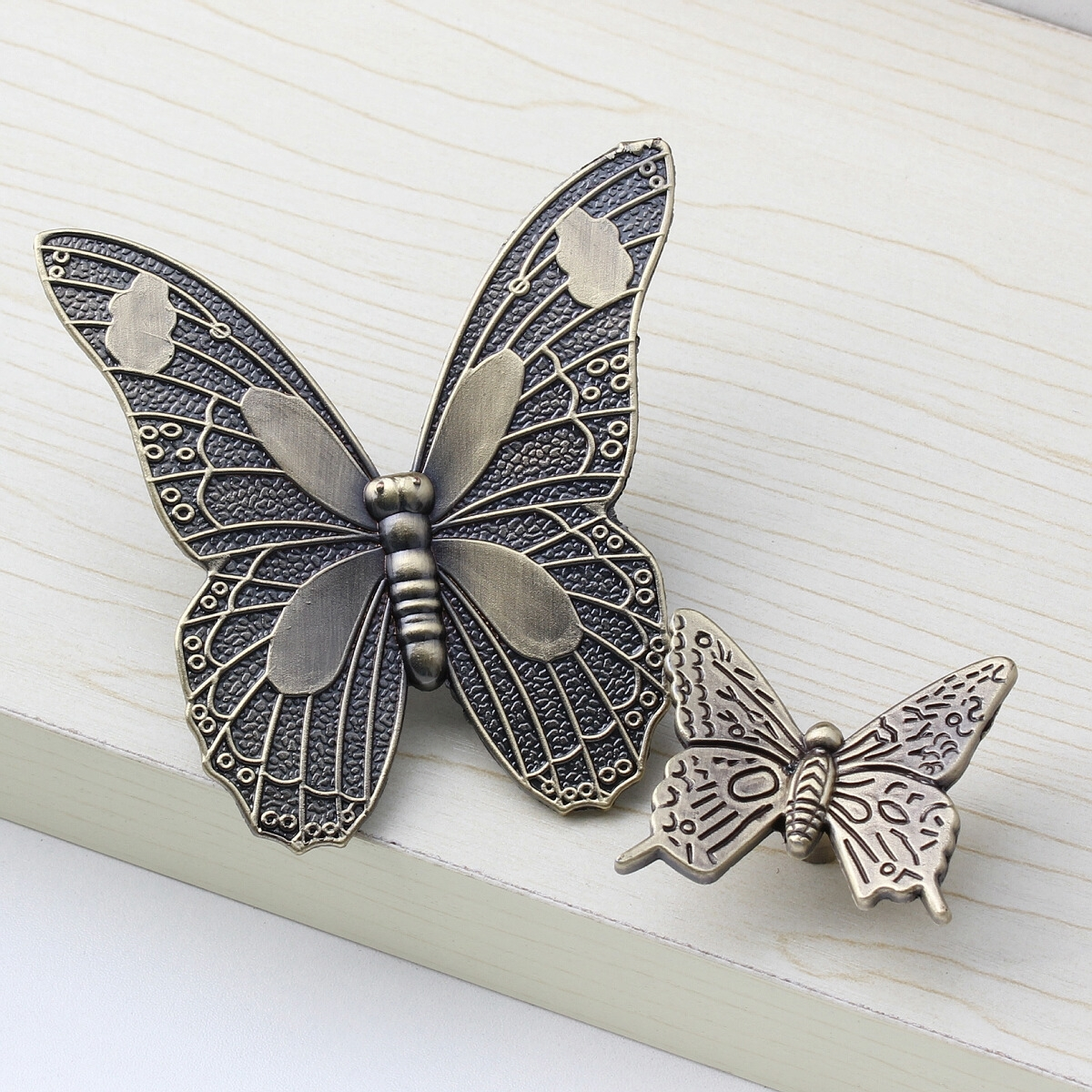 Shell Butterfly Door Knobs