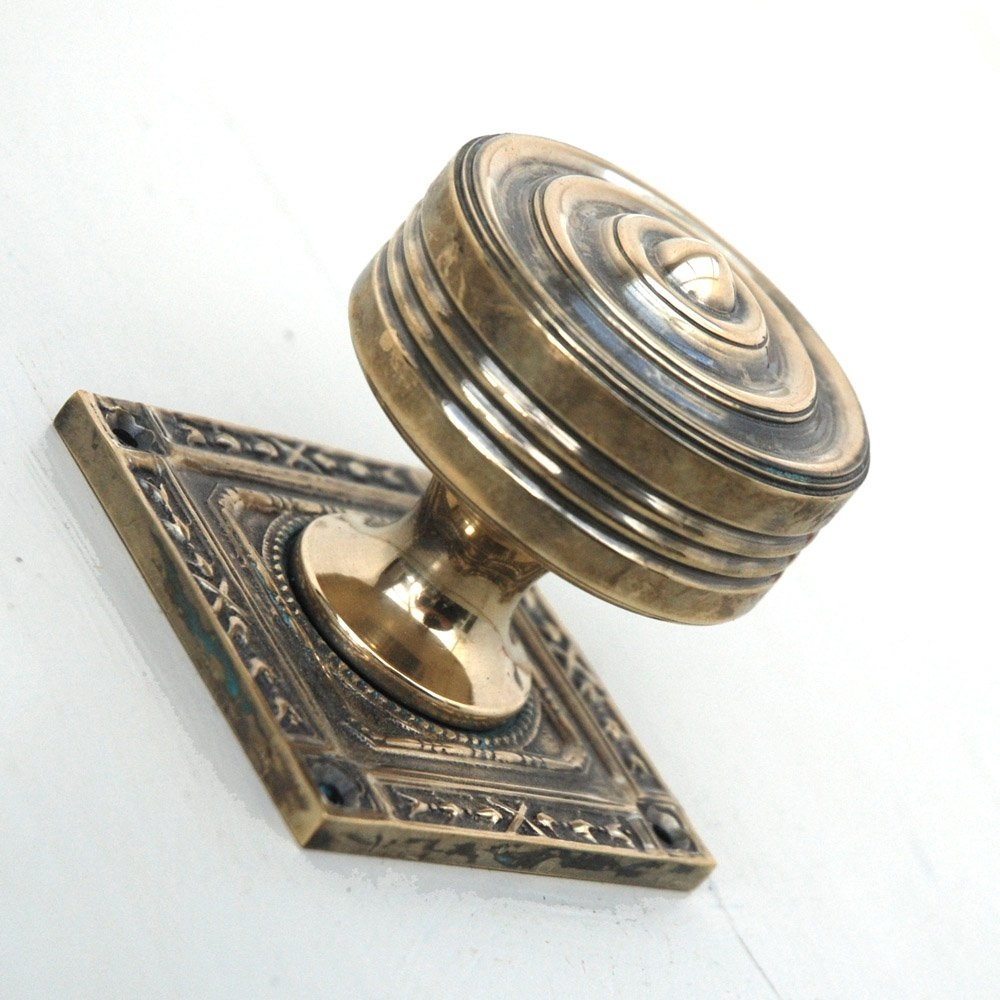Georgian Door Knobs On Backplate