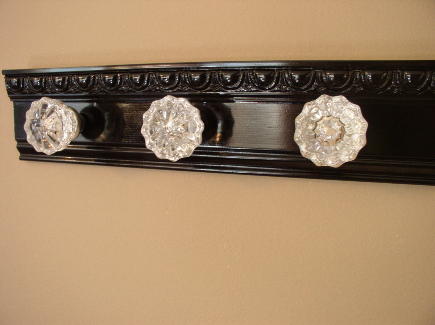 Crystal Door Knob Coat Rackbeautiful coat rack with 3 glass door knobs and decorative