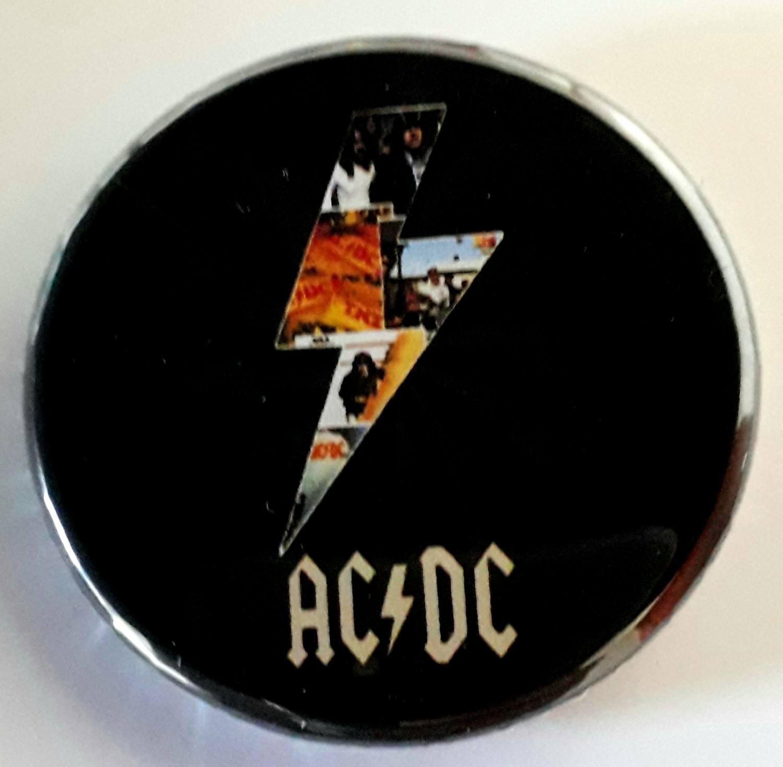 Botton Favartes AC/DC