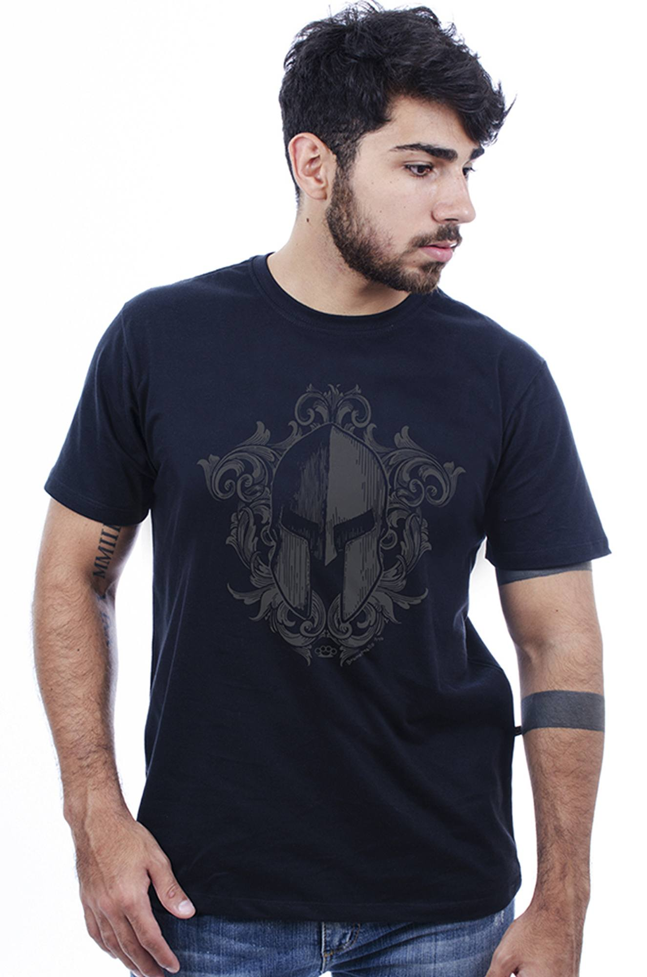 Camiseta Masculina Estampada Elmo Corrosão Preto Hardivision