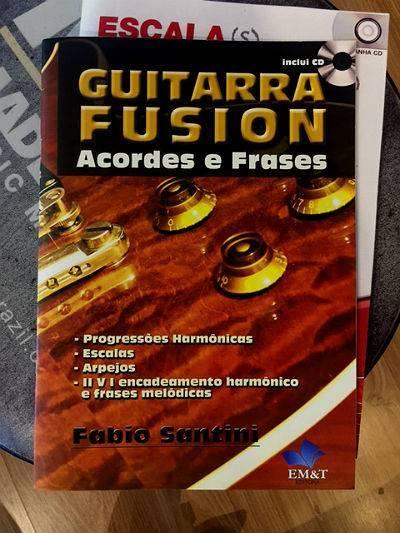 Livro Guitarra Fusion - Acordes e Frases de Fabio Santini