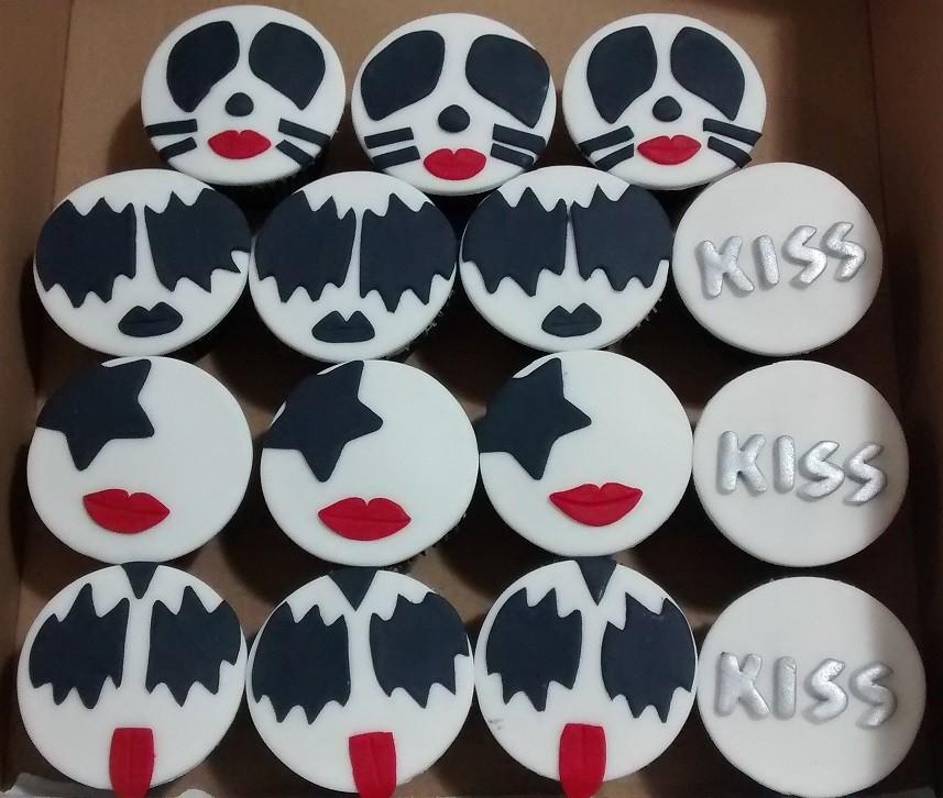 Kit com 10 Cupcakes da Banda Kiss