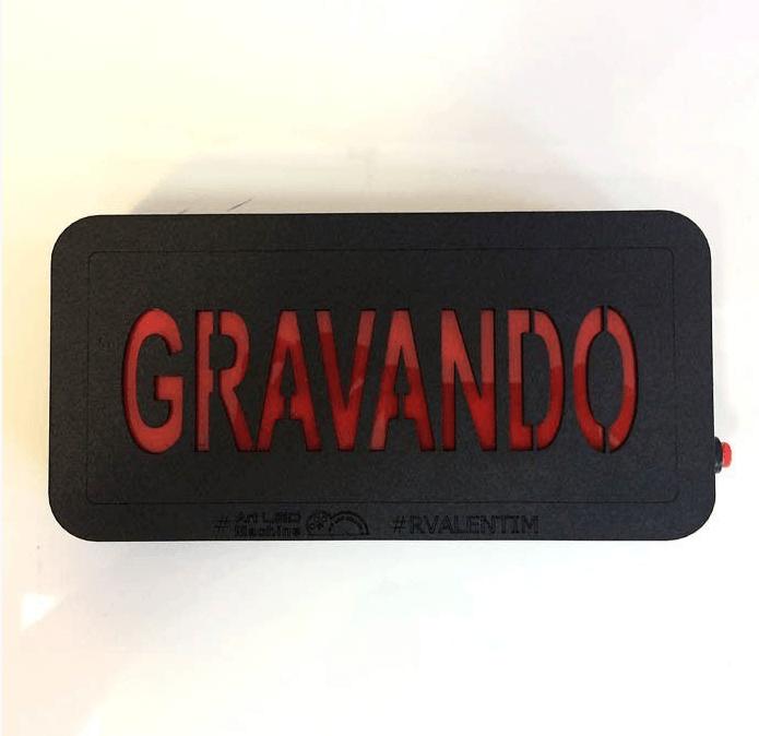 Luminária GRAVANDO