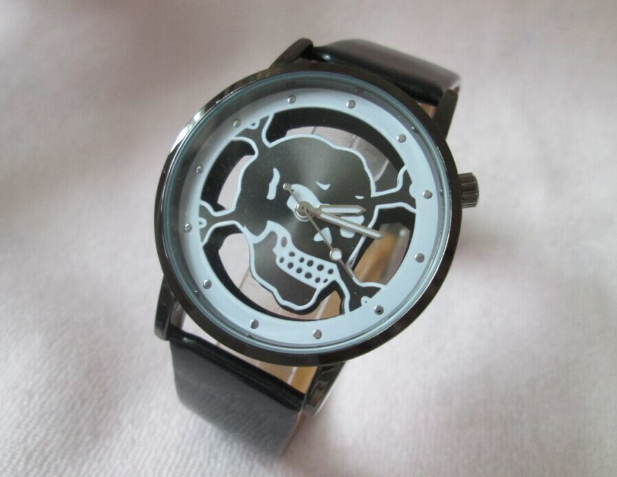 Relógio Esqueleto Vidro – SkullAchando