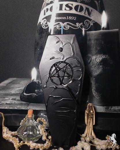 Vela Exclusiva Caixão Pentagrama Invertido