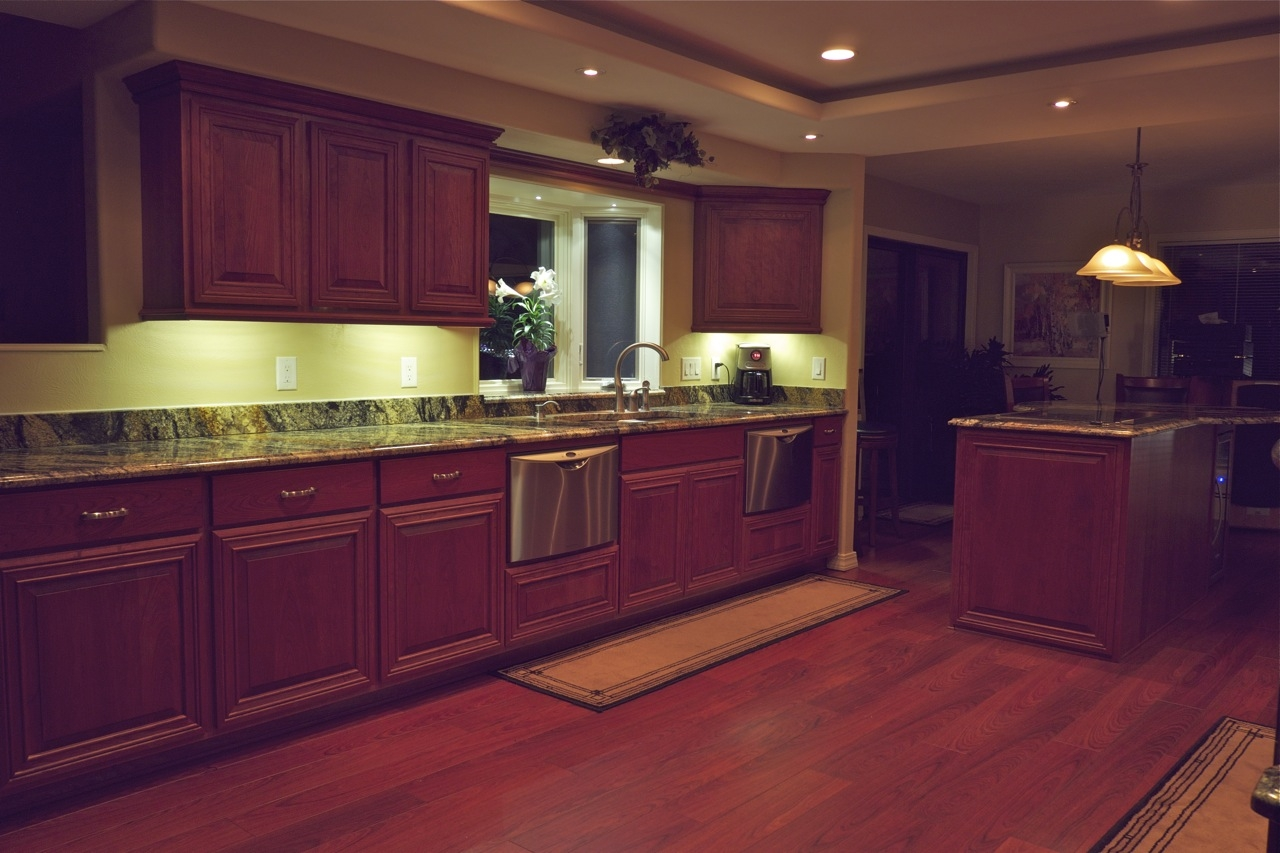 Best Lighting For Under Kitchen Cabinets