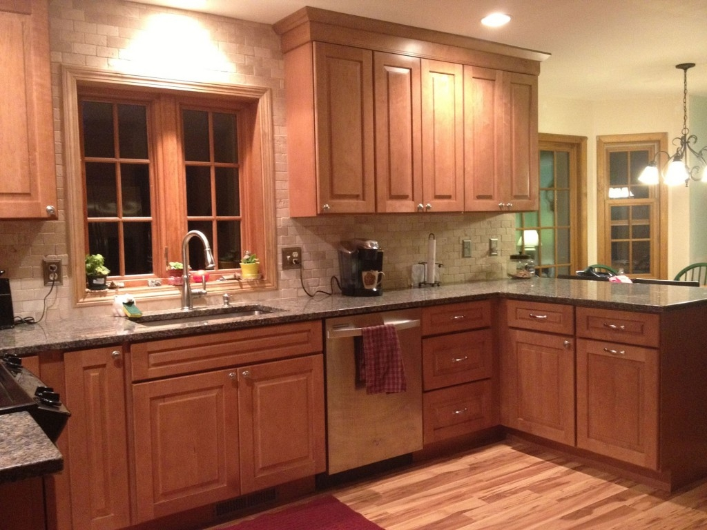Cambridge Maple Kitchen Cabinets