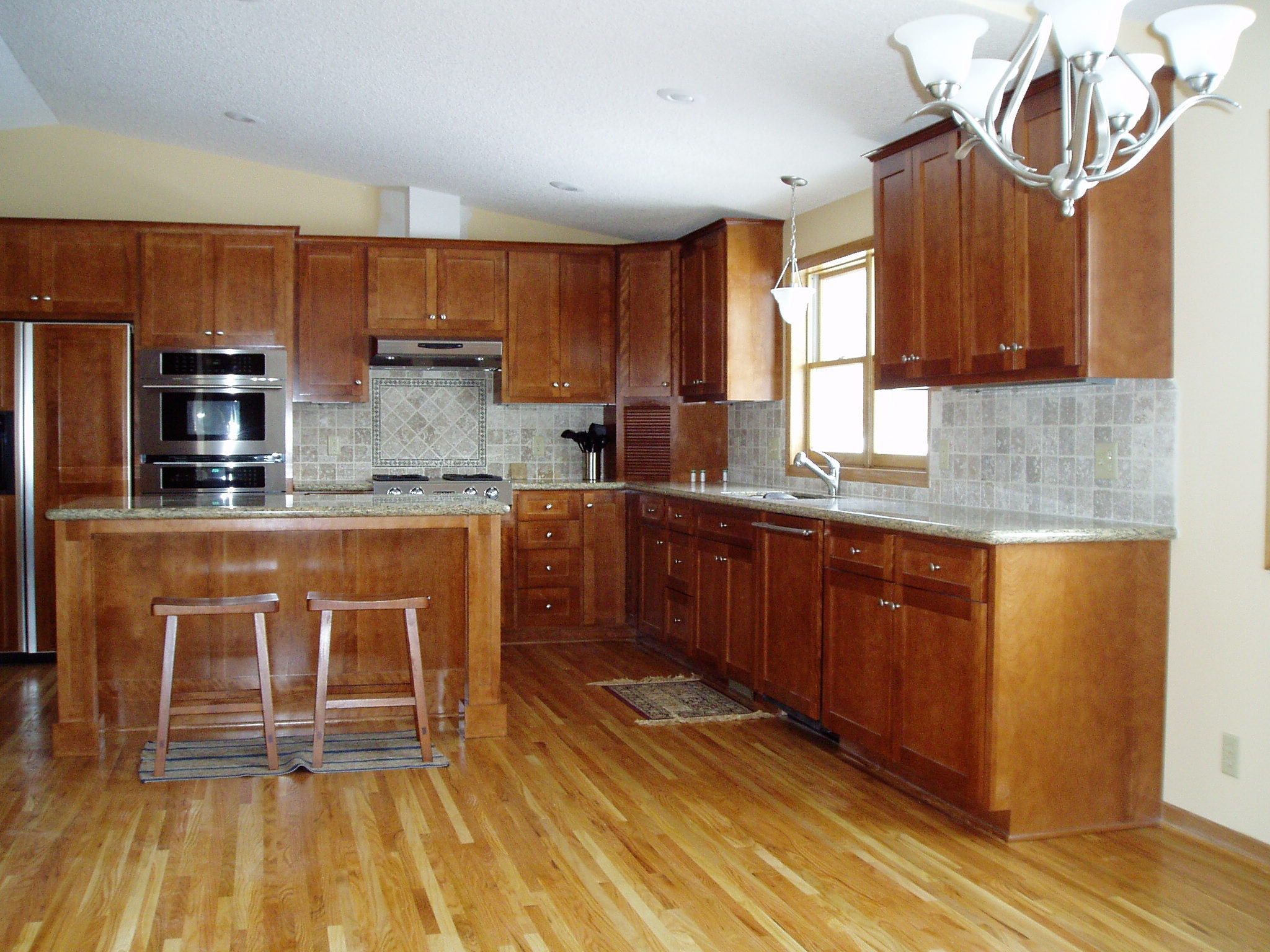 Kitchen Cabinet Color Wood Floor