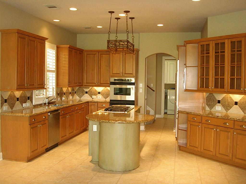 Kitchen Colors Light Wood Cabinets