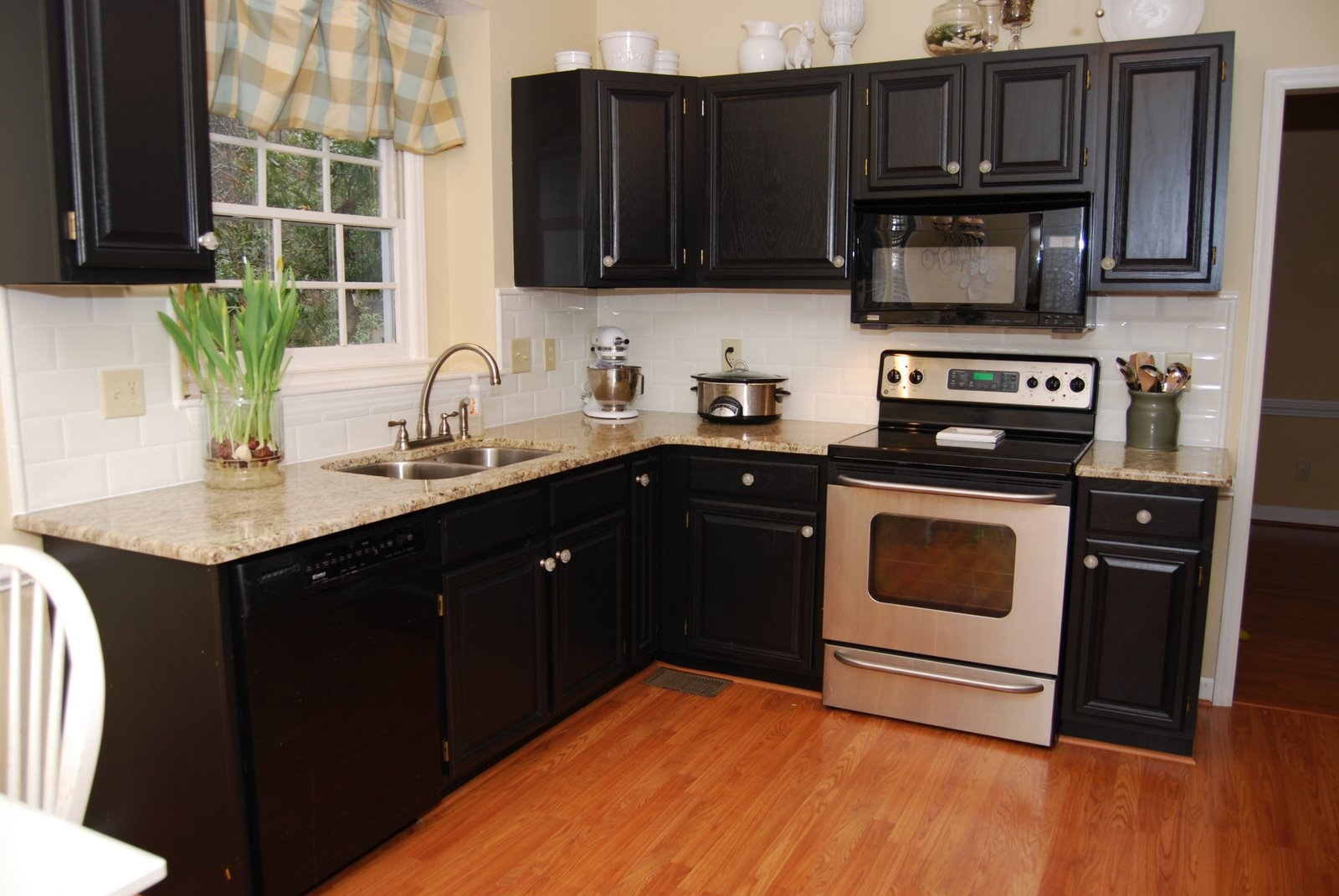 Kitchen Colors With Espresso Cabinets