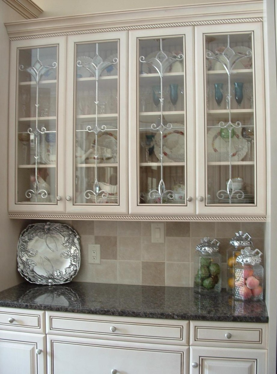White Kitchen Cupboards With Glass Doors