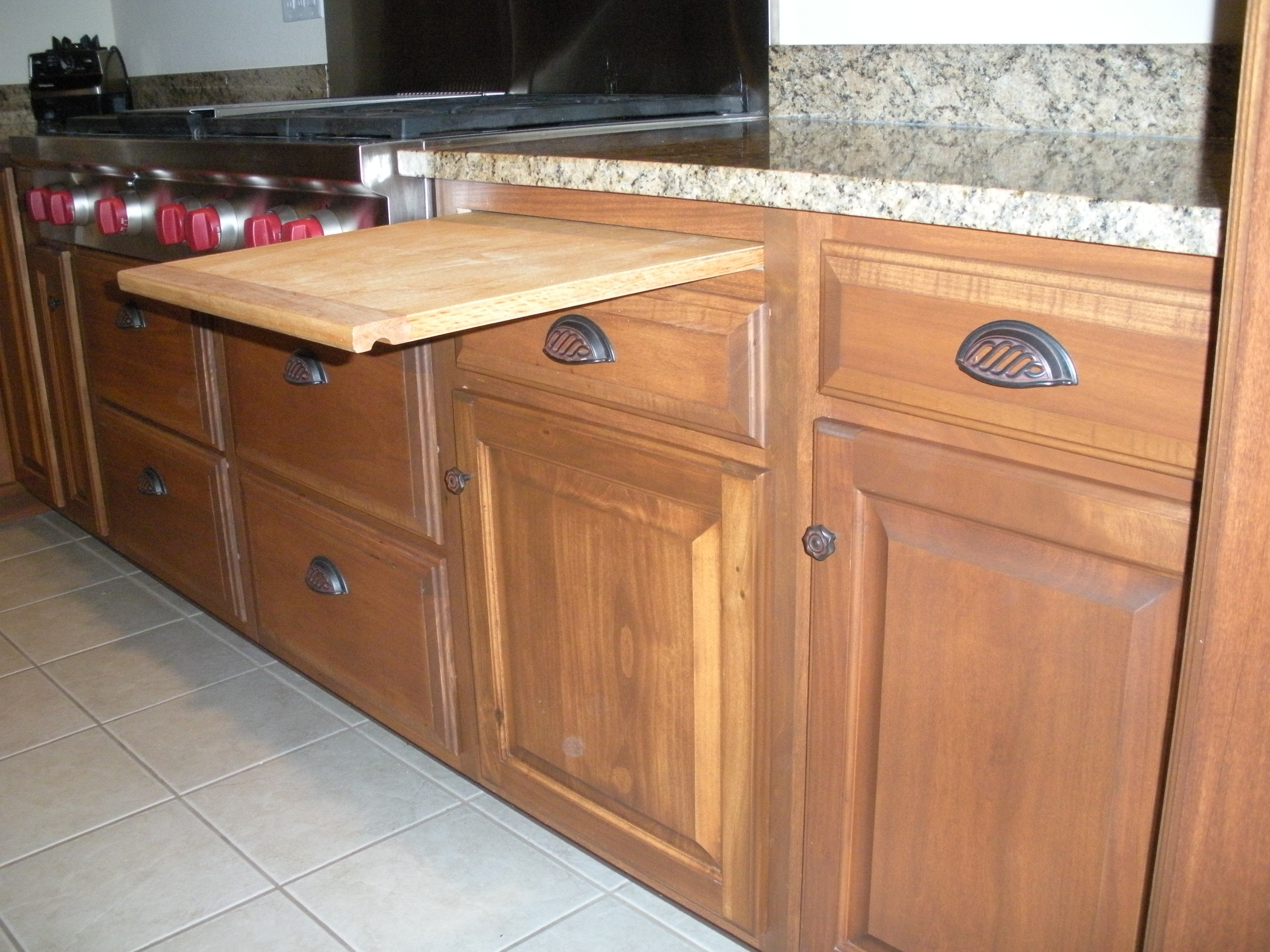 Kitchen Cabinet Pull Out Cutting Board