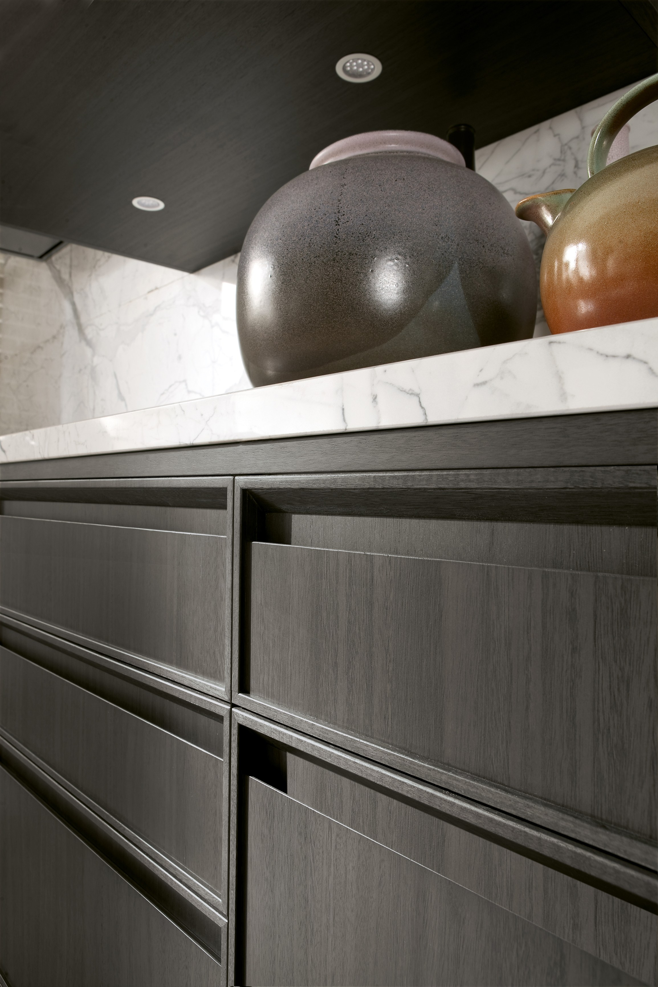 Kitchen Cabinets With Integrated Handles
