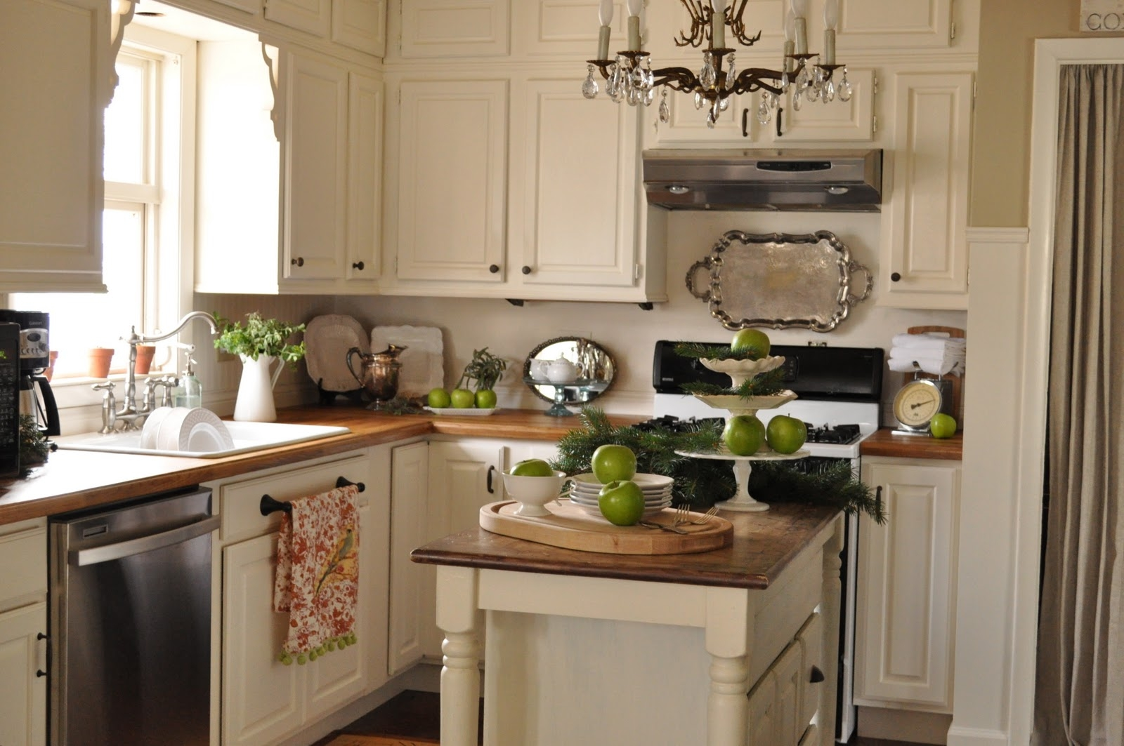 Linen White Kitchen Cabinets Benjamin Moore