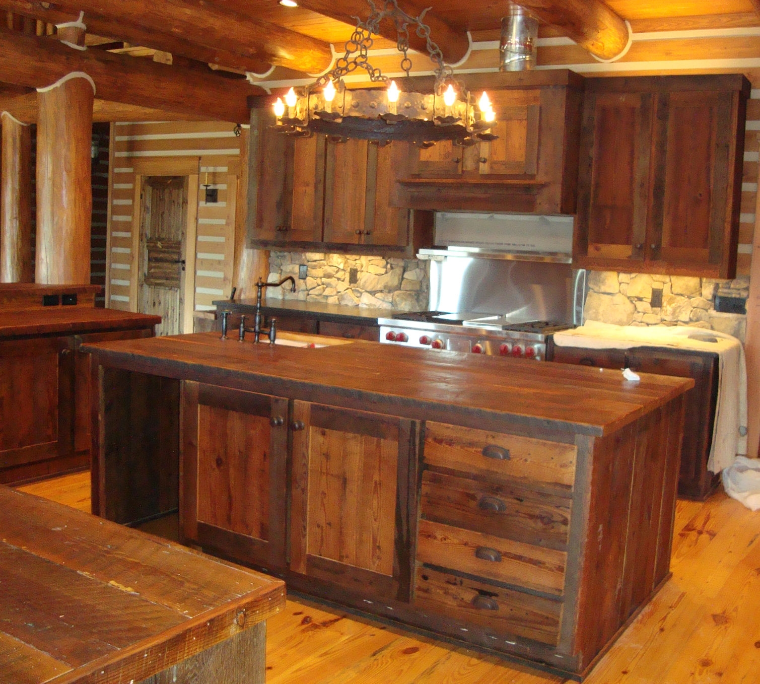 Old Wood Style Kitchen Cabinets