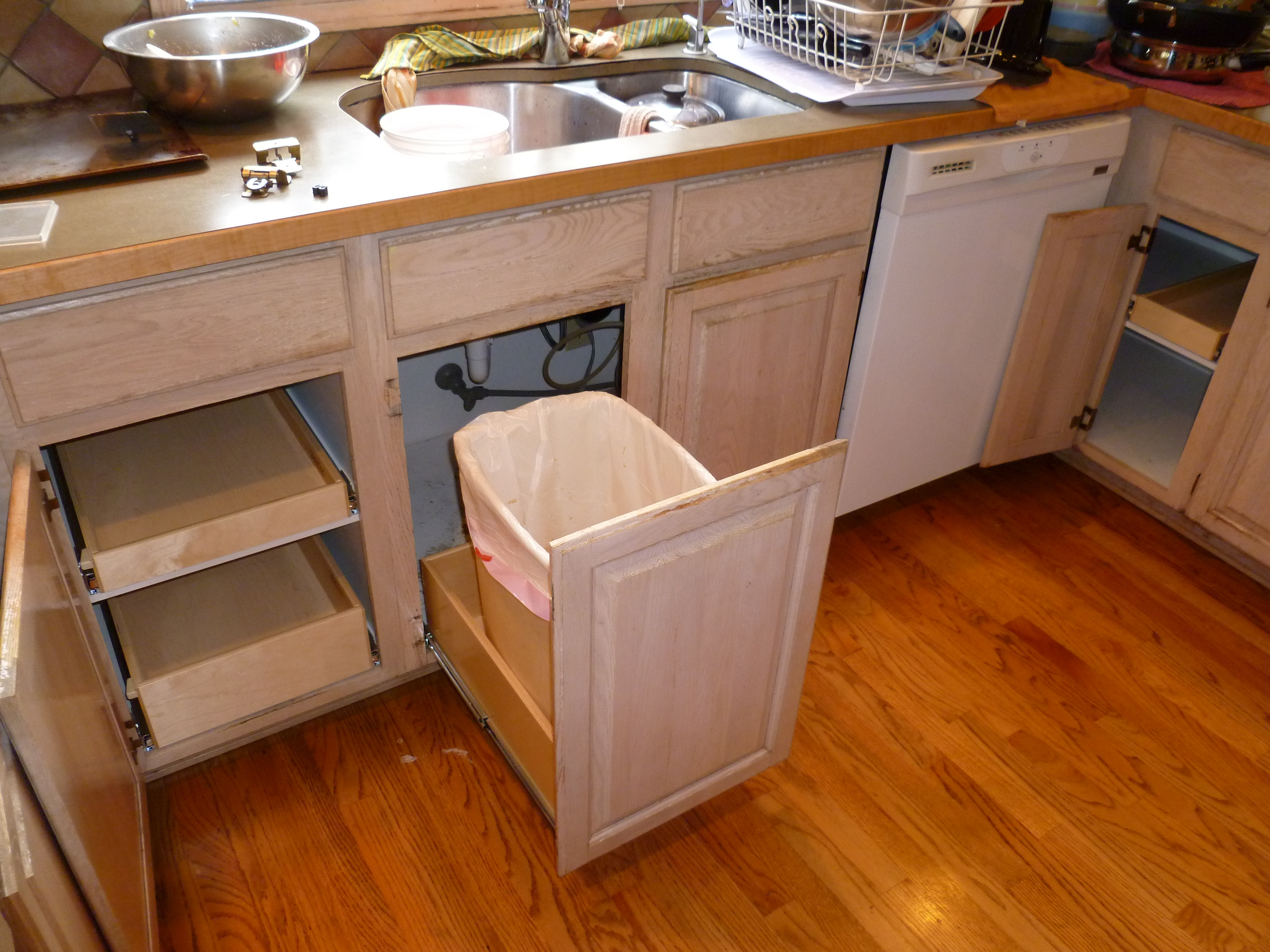 Pull Outs For Kitchen Cabinets
