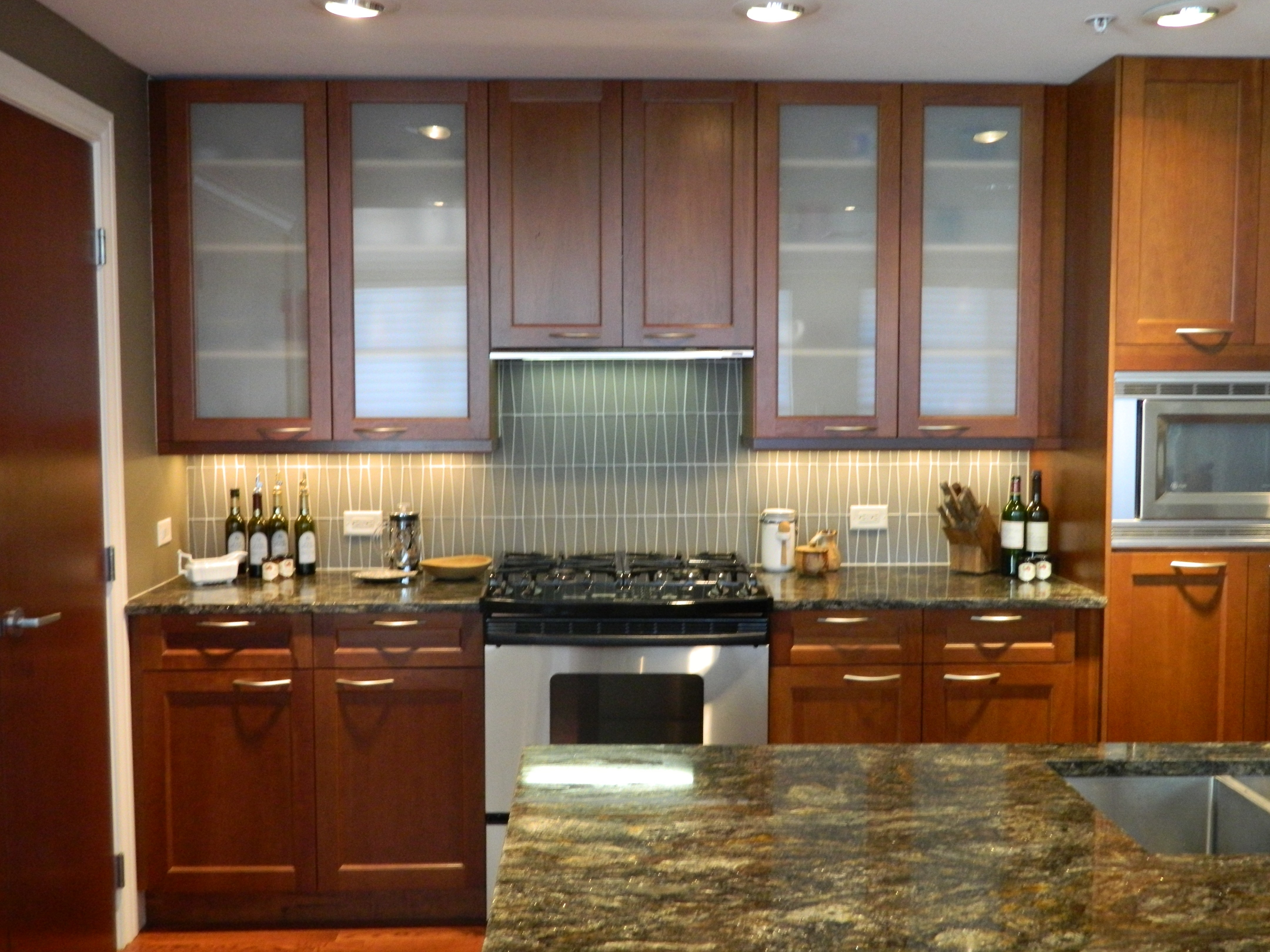 Upper Kitchen Cabinets With Glass Fronts