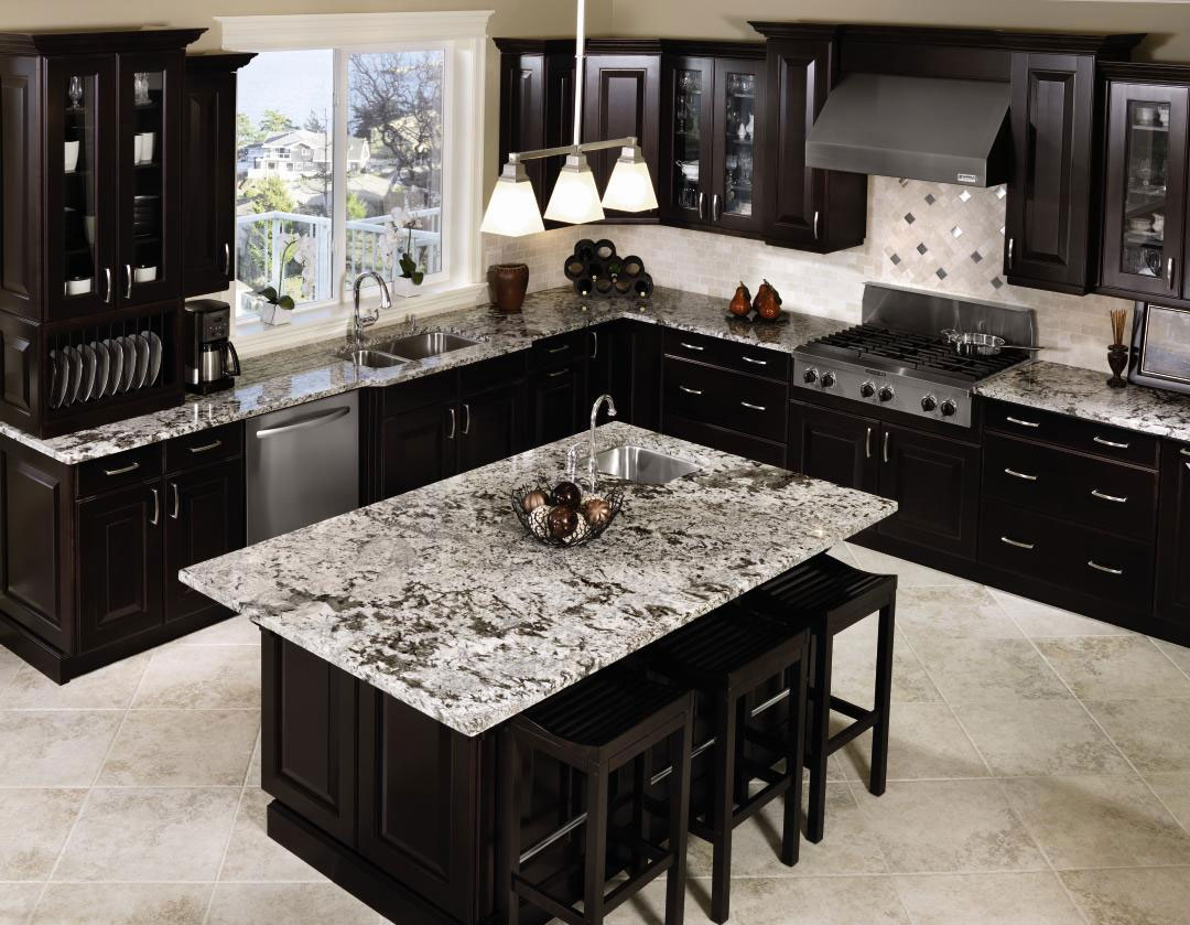 Black Lacquered Kitchen Cabinets