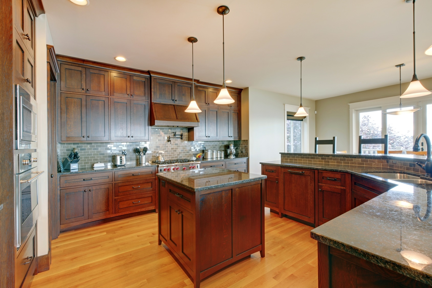 Choosing The Right Kitchen Cabinet Hardware