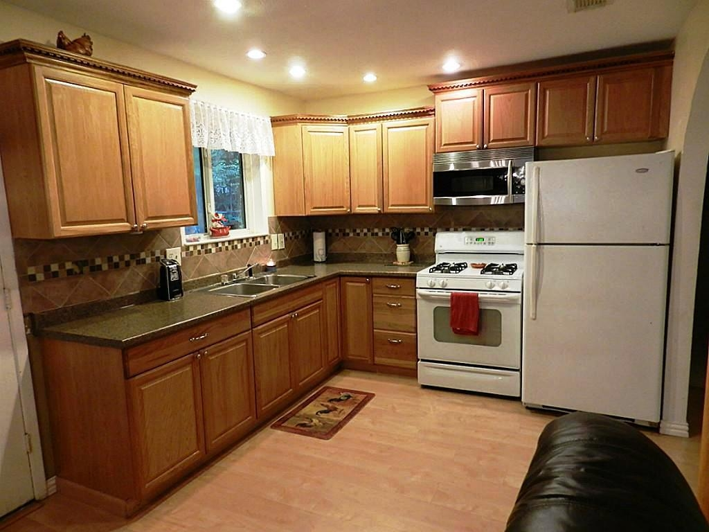 Color Schemes For Kitchen Cabinets