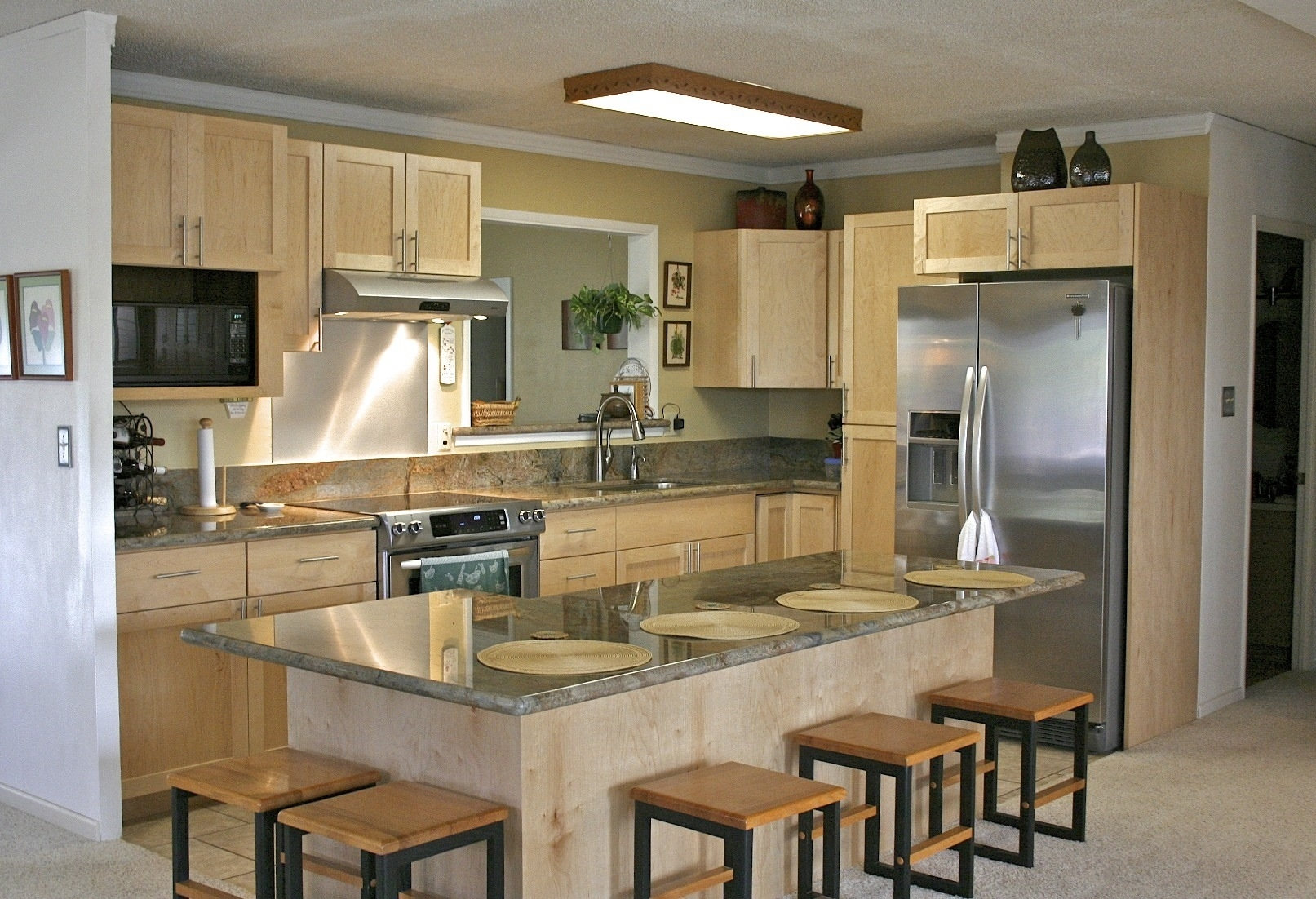 Current Kitchen Cabinet Trends 2013