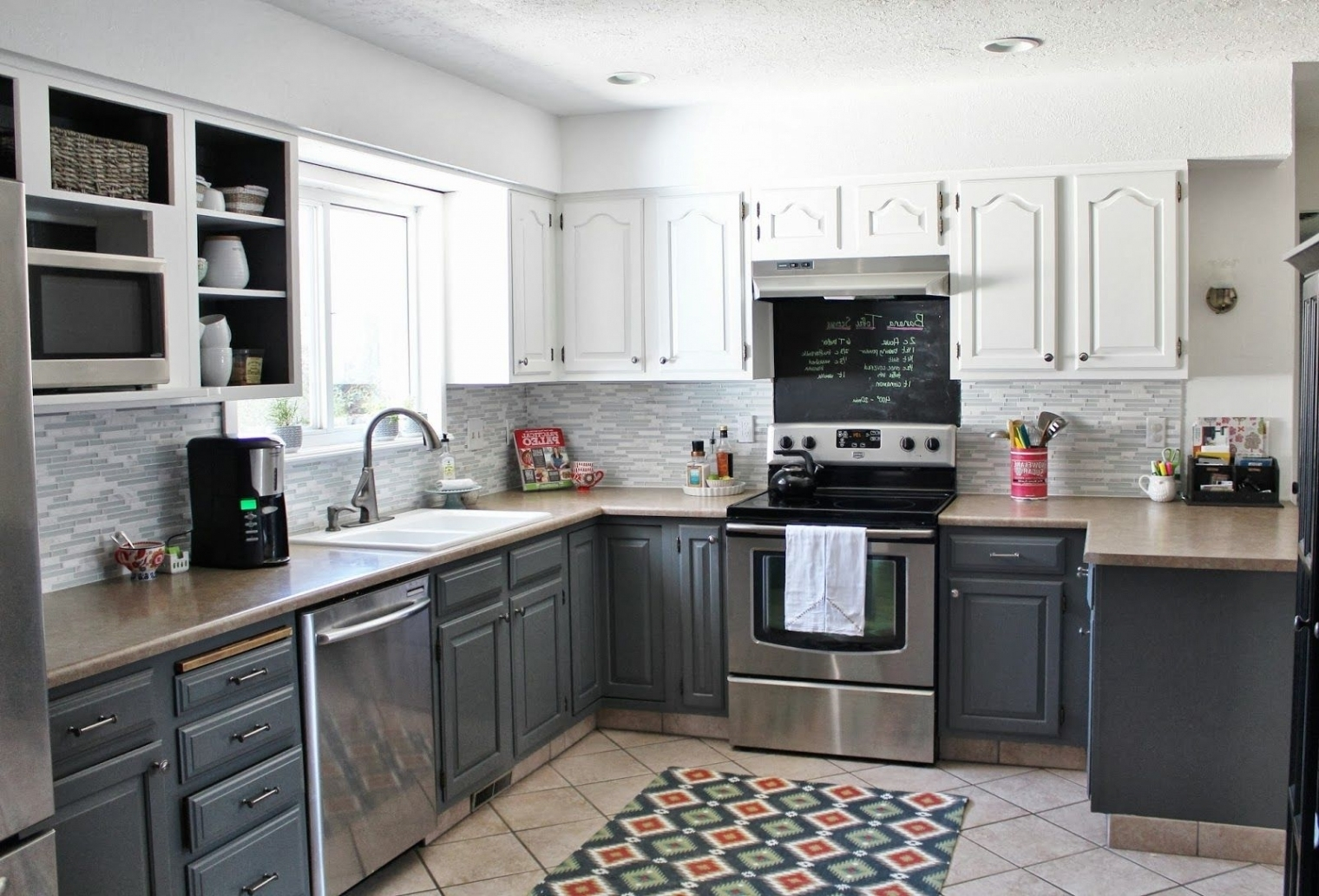 Different Color Of Kitchen Cabinets