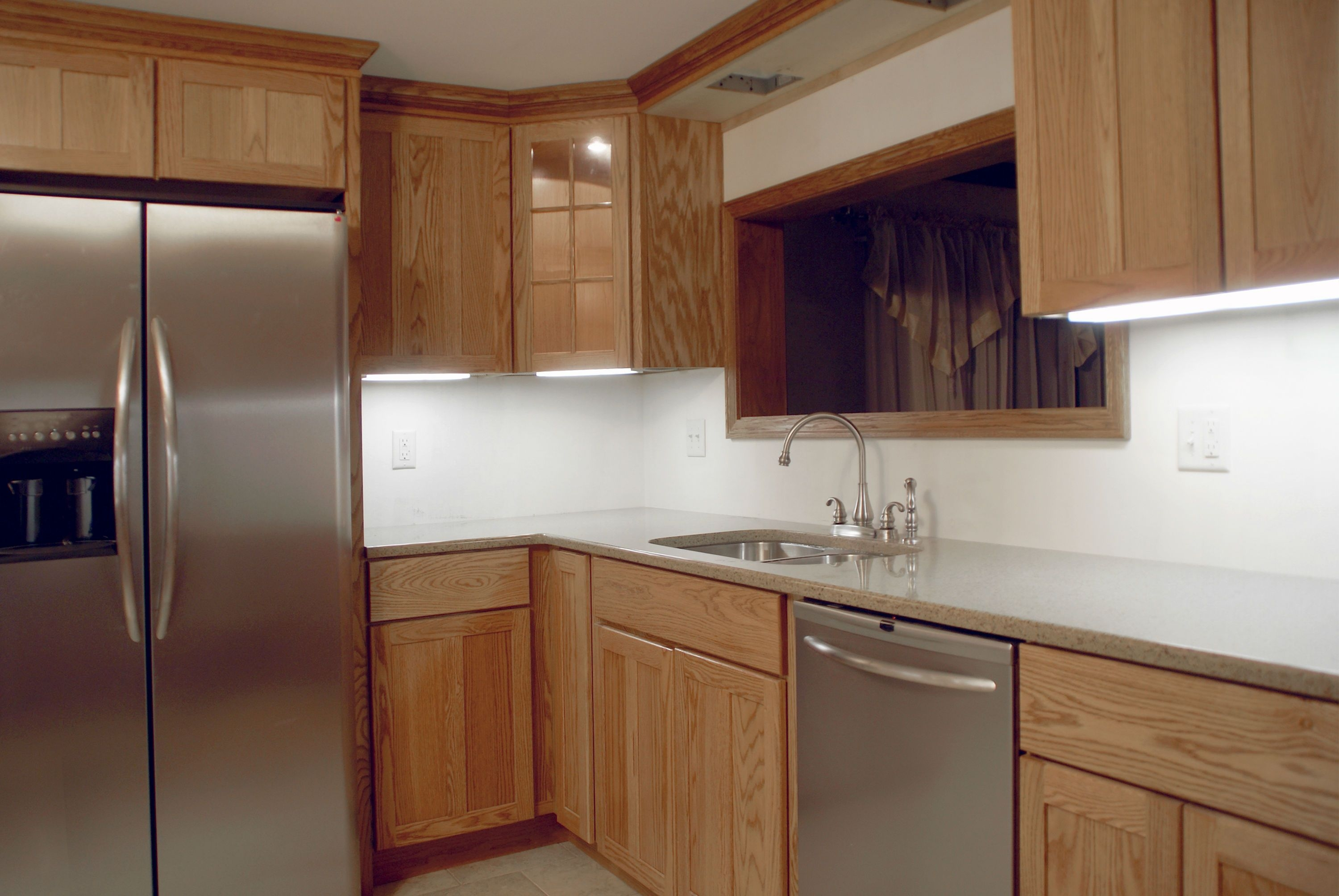 Fitting Kitchen Wall Cabinets
