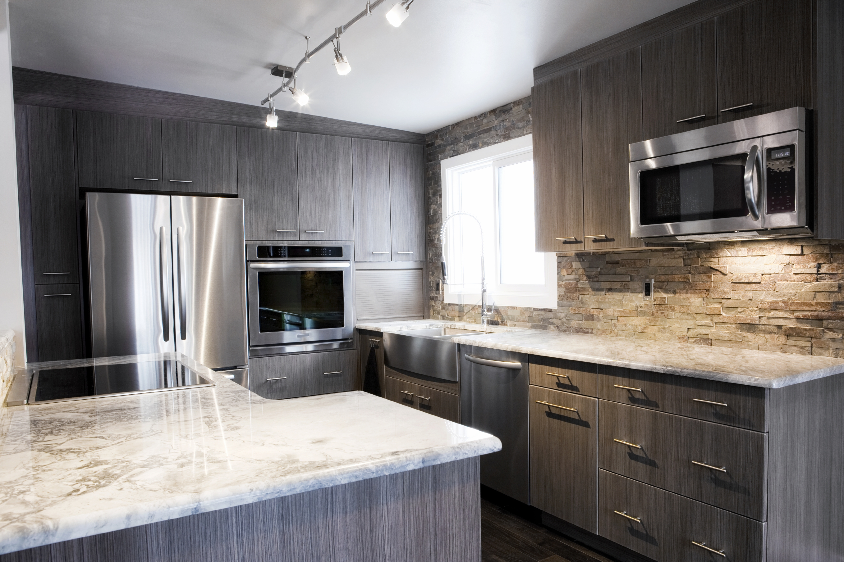 Grey Kitchen Cabinets With Granite Countertops