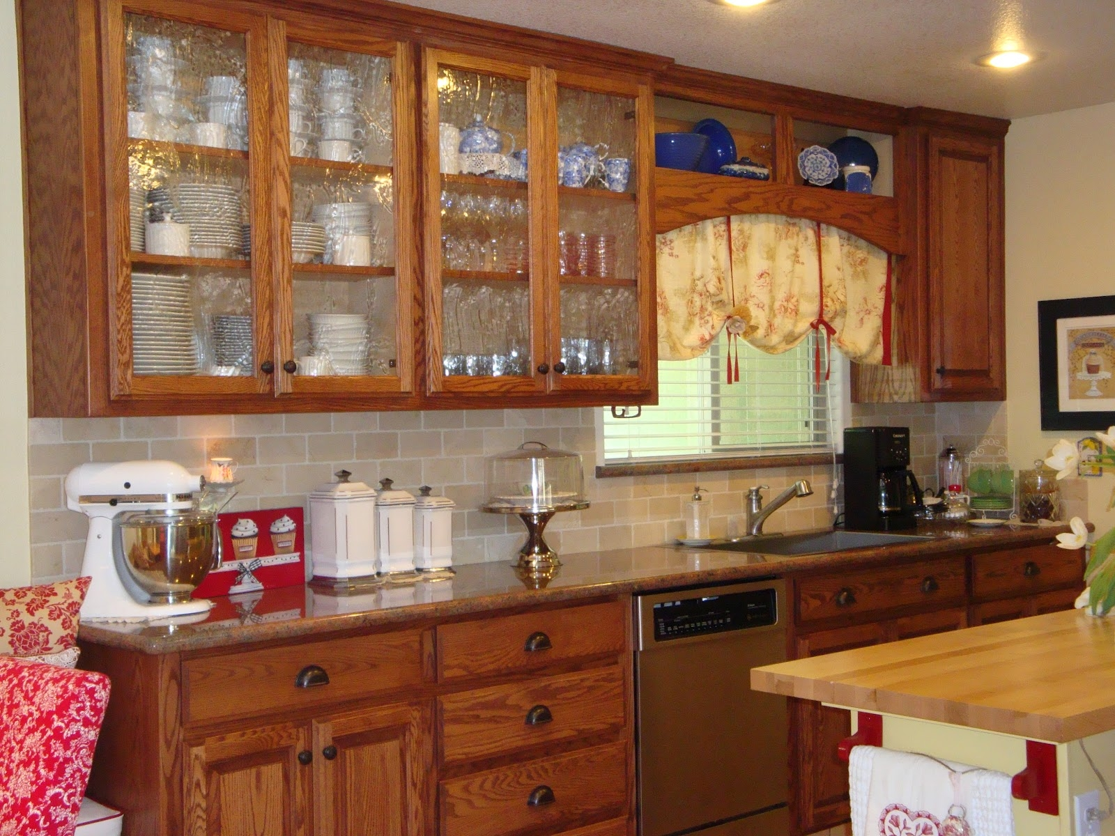 Horizontal Kitchen Wall Cabinet With Glass Door